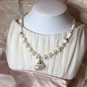 🌺 Hawaiian shell necklace 🐚