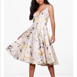 BOOHOO Cait Floral Strappy Skater Dress. NWT SZ 14