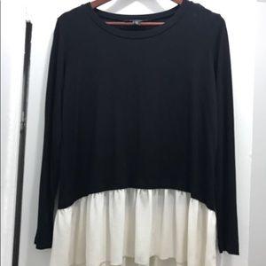 Karen Kane Ruffle hem silk tshirt black & white