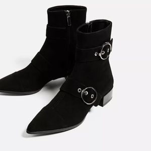 Zara leather boots 100% with double buckles