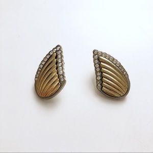 Wing shaped earrings gold and silver