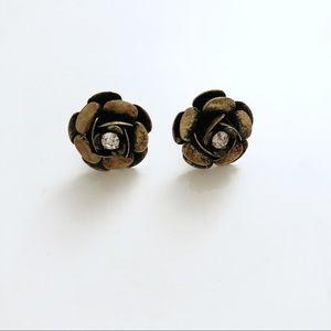 Jewelry - Flower earrings metallic brown large flower studs