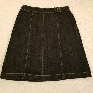 Ann Taylor petite  denim skirt.  Size 00P.
