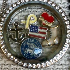 ⚓️ Navy wife locket ☃️
