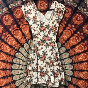 Brandy Melville floral print bethan dress