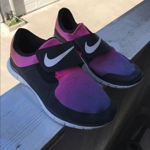 Nike Free Socfly SD Sunset Pack Sneakers Size 9