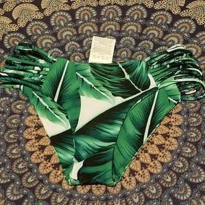 Leaf print bikini bottoms (s)