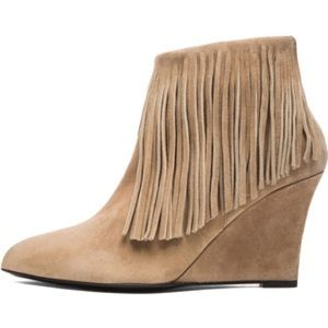 Elyse Walker Light Tan Suede Booties (size 7)