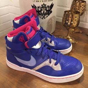 Nike Womens Court Tranxition Shoes #555275-400