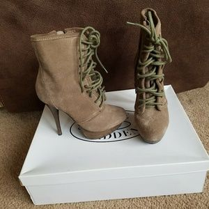 Steve Madden booties size 6 like new