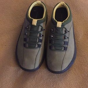 Woman's Rockport suede shoes