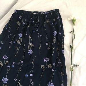 Cherokee Midi blue skirt with violet flowers🌷