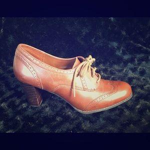 Vintage Chic Nada Oxford Heel