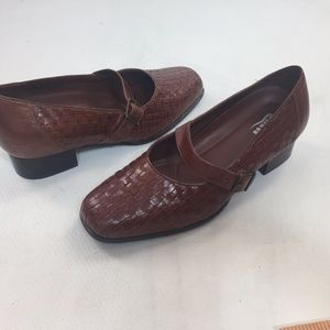 DREW Shoes Mary Jane Comfort Extra Wide Walking