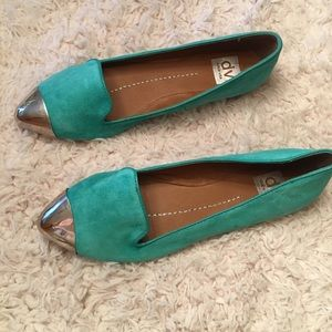 NWT DV by Dolce Vita leather flats with toe cap😍
