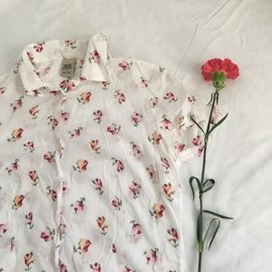High Sierra white Button up with flower pattern🌸