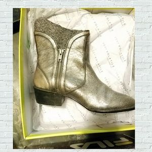 Very Volatile Women's Pewter Moffit Boot NWT