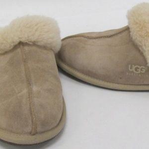 UGG Scuffette II Slipper in Sand Suede size 8