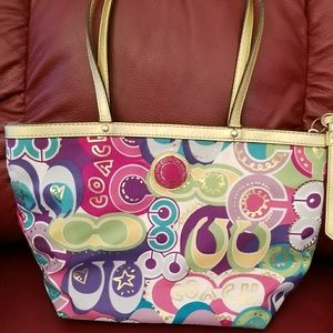 Coach pop poppy c tote