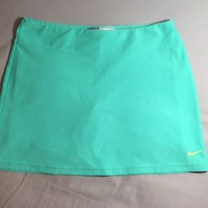 Nike skirt, Teal Green color. Size S