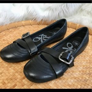 OTBT Plymouth Black Leather Strap Ballet Flats