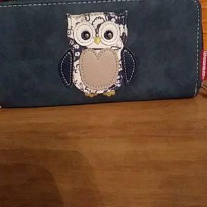 BRAND NEW UNIONBAY BLUE SUADE OWL WALLET