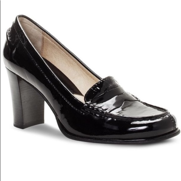 dd01defd471 Micheal Kors Bayville Patent Leather Loafer Heel. M 5a2fae7336d594d92802a8ac