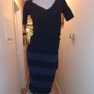 Old Navy black/grey cute and comfy pencil skirts
