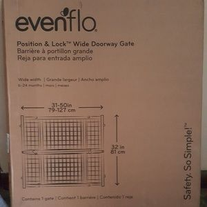 Evenflo wooden tall and lock gate
