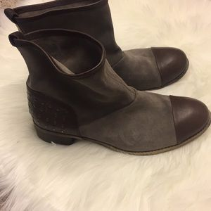 SZ 9 1/2 Brown Leather Toe & Gray Suede Boot