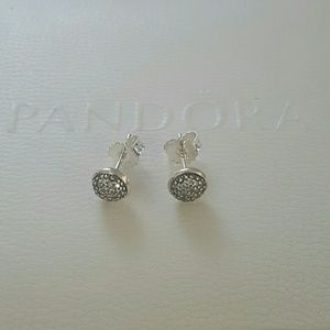 Authentic pandora Dazzling stud earrings 925 s