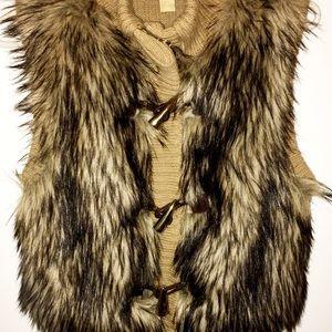 Micheal Kors Faux Fur Vest Size Medium
