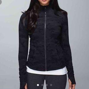 Lululemon black camo forme jacket
