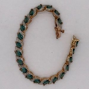 Rose Gold Bracelet with Aquamarine Gem