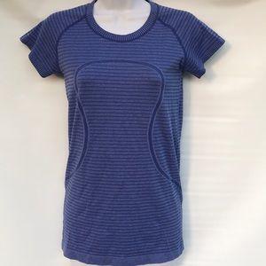 Lululemon workout shirt sm/ med