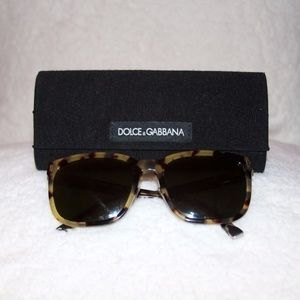 DOLCE & GABBANA Sunglasses Style DG4271