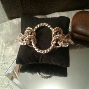 Beautiful heavy well made vintage bracelet