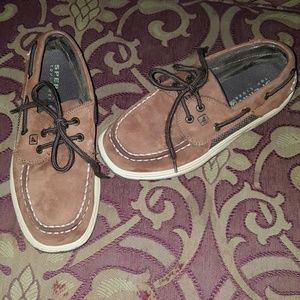 Boys Sperry shoes 2.5 brown leather boat shoes