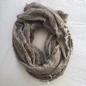 [Urban Outfitters] Scarf