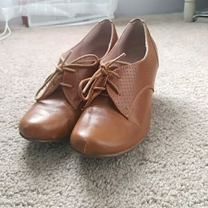 Brown Oxford Chelsea Crew shoes