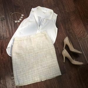 Banana Republic Factory pencil skirt in cream