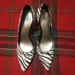 Cato zebra striped heels size 8 ~ EUC