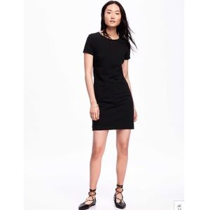🖤 Old Navy Fitted Crew Neck Dress 🖤
