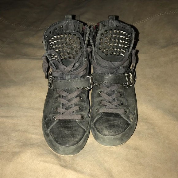 bdfa72f69d625 Sam Edelman Alexander Studded Sneakers. M 5a2ff0257fab3a8280033f73