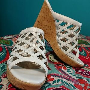 NEW SOFFT BRAND LEATHER SANDALS