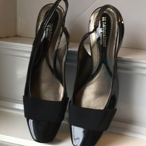 Naturalizer Sling Backs in Patent Leather 9 1/2
