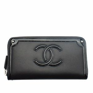 Chanel Black Leather Zippered Wallet (139132)