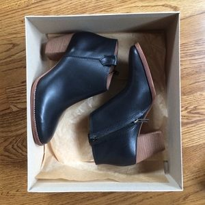 NIB Madewell black leather Billie boots