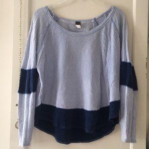 Blue long sleeved top