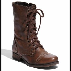 Camp boots brand new!!